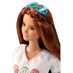 Barbie Fashionista Doll, T-shirt med donuts